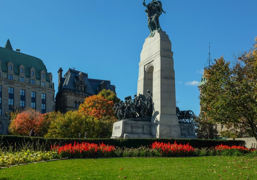 _Fujifilm-x100s---War-Memorial-Ottawa--00058-2-copy